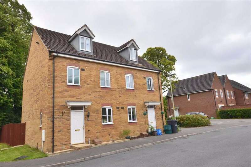 4 Bedrooms Town House for sale in Youngs Orchard, Abbeymead, Gloucester