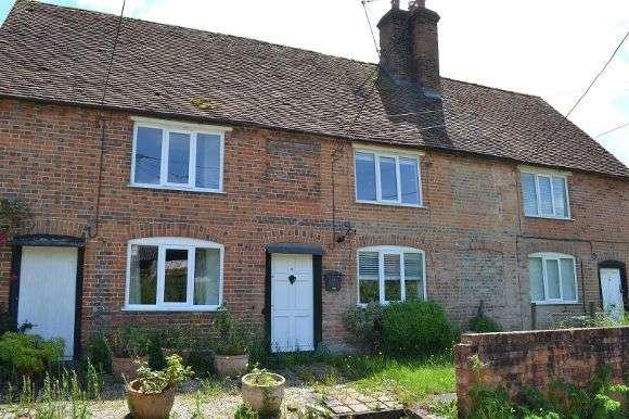 2 Bedrooms Terraced House for rent in Fishermans Lane, Aldermaston, Reading