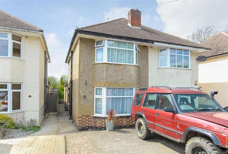 2 Bedrooms House for sale in Wolf Lane, Windsor