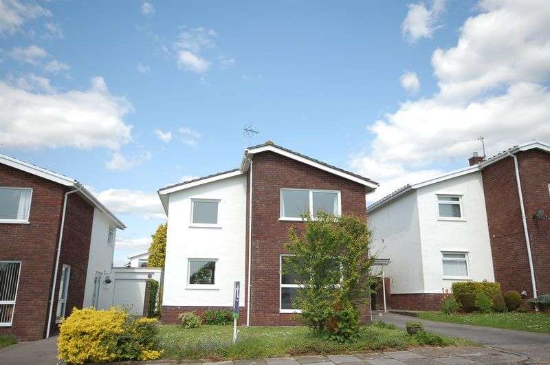 3 Bedrooms Property for rent in 4 Lake Hill Drive, Cowbridge, Vale of Glamorgan