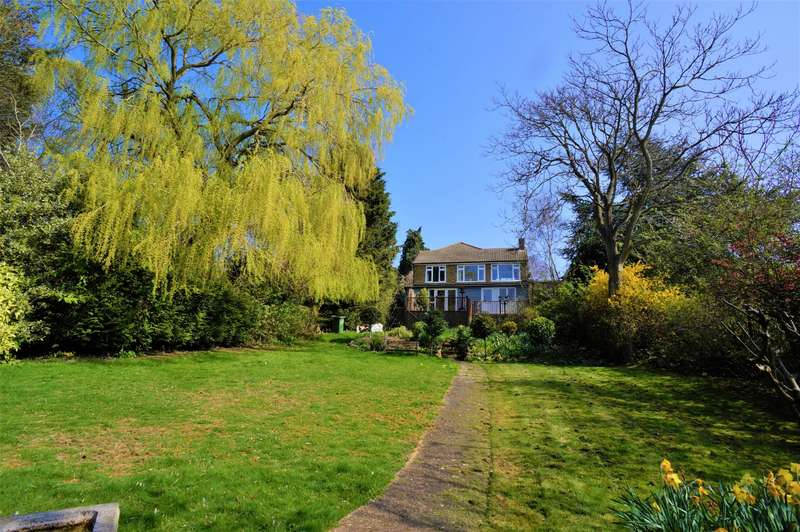 5 Bedrooms Detached House for sale in Hill Court, Rochester, Chattenden, Kent, ME3