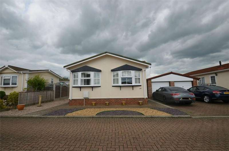 2 Bedrooms Park Home Mobile Home for sale in Clifton Park, New Road, CLIFTON, Bedfordshire