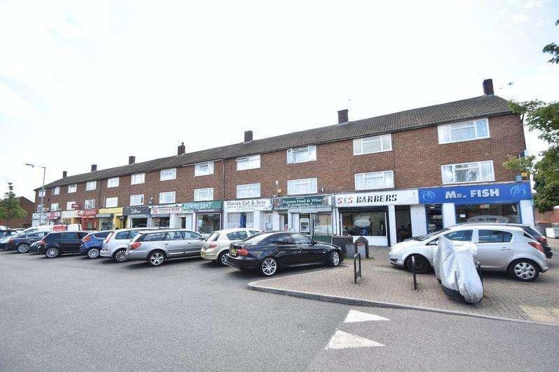 2 Bedrooms Maisonette Flat for sale in Lyneham Road, Luton