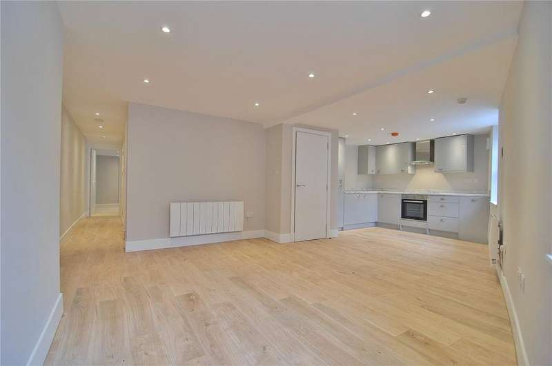 2 Bedrooms Apartment Flat for sale in Russell Street, Stroud, Gloucestershire, GL5