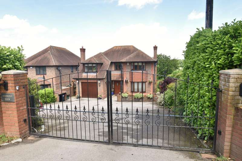 4 Bedrooms Detached House for sale in Chartridge Lane, Chartridge, HP5