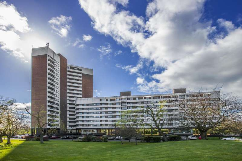 3 Bedrooms Apartment Flat for sale in Montagu Court, Newcastle Upon Tyne