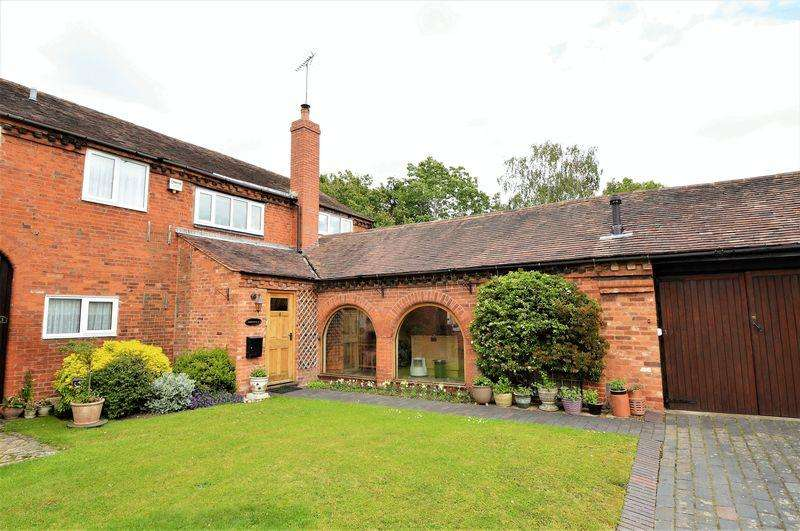 3 Bedrooms House for sale in Priory Court * Studley * B80 7BB