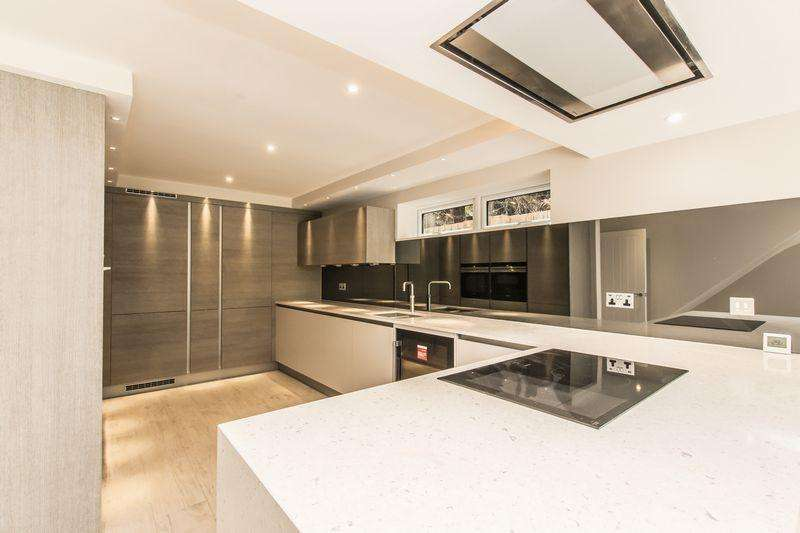 4 Bedrooms End Of Terrace House for rent in Hainault Road, Chigwell