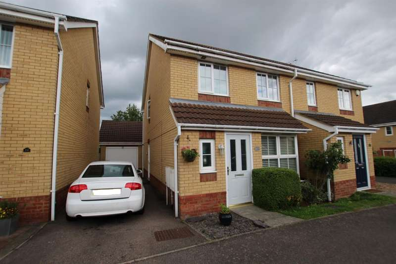 3 Bedrooms Semi Detached House for sale in Farriers Way, Houghton Regis, Dunstable