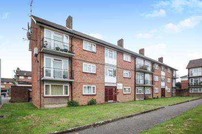 1 Bedroom Flat for sale in Ross Close, Luton, Bedfordshire, .