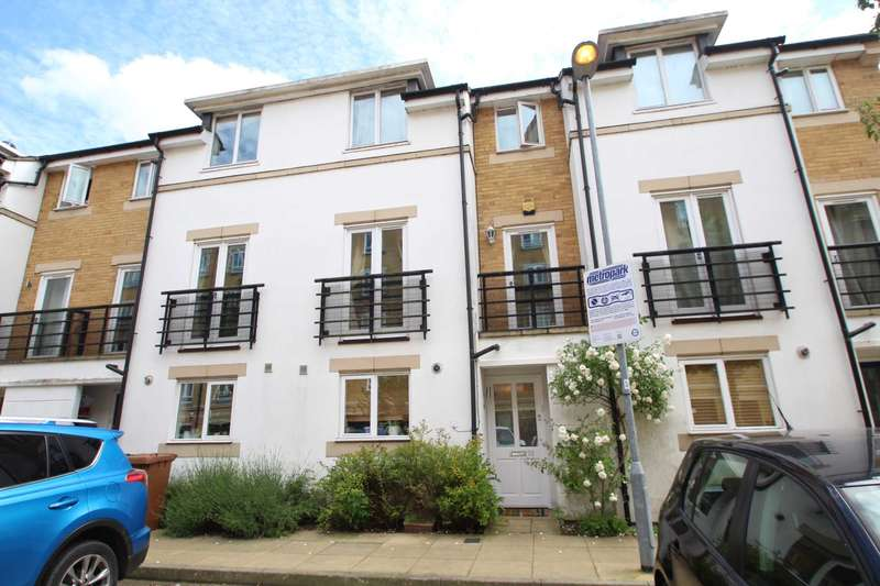 5 Bedrooms Terraced House for sale in Ovaltine Drive, Kings Langley