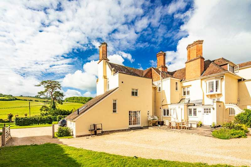 3 Bedrooms Apartment Flat for sale in Lower Thurle, Streatley on Thames, RG8