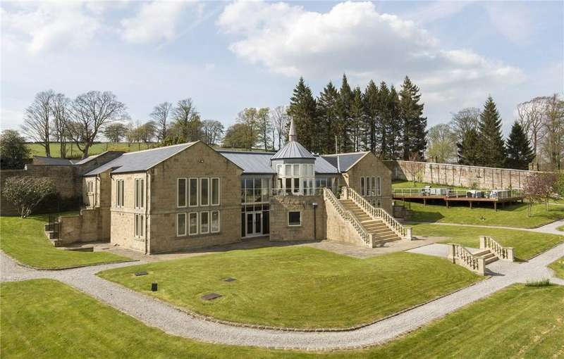 5 Bedrooms Detached House for sale in The Gardens, Cowling Hill, Near Skipton, North Yorkshire, BD22