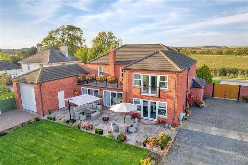 5 Bedrooms Detached House for sale in Fen Lane, Long Bennington, Newark, Nottinghamshire
