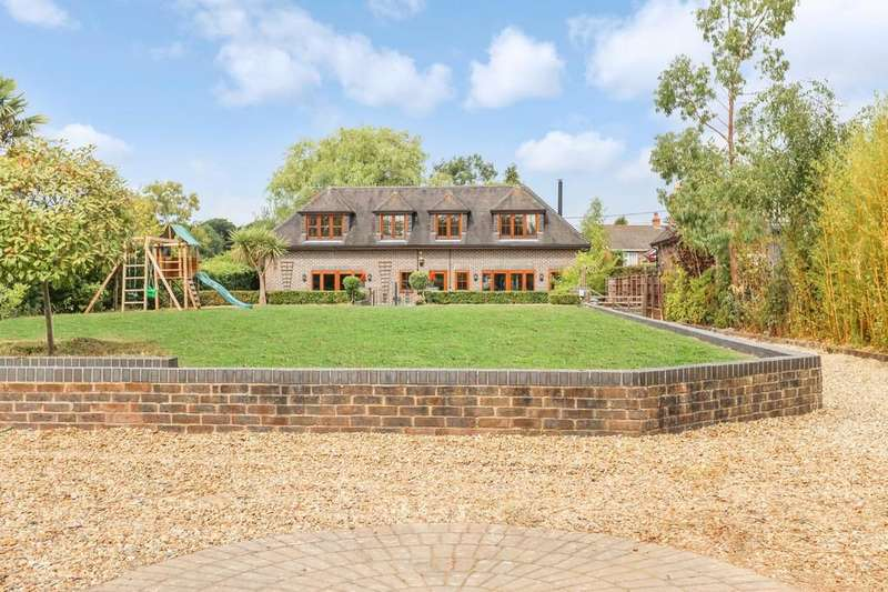 5 Bedrooms Detached House for sale in Wickham, Hampshire
