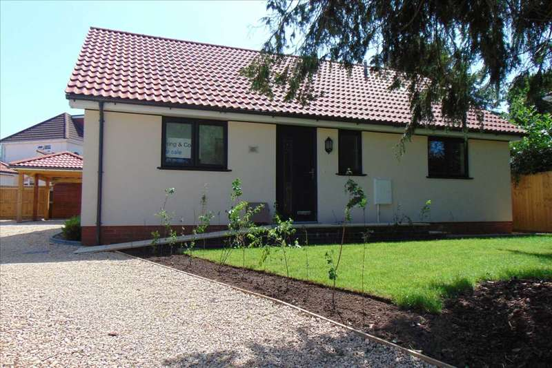 3 Bedrooms Bungalow for sale in ASH HAYES DRIVE, NAILSEA