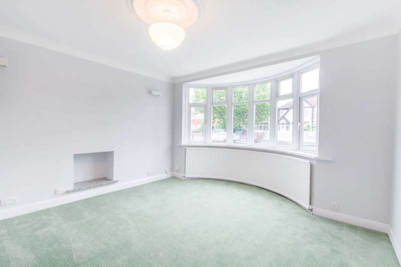 3 Bedrooms Detached House for sale in Greenford, Greenford, UB6