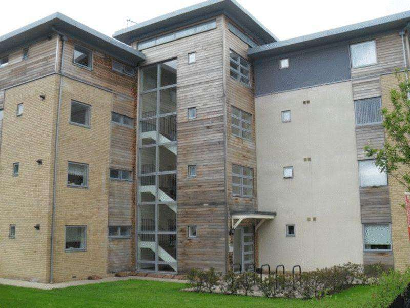 2 Bedrooms Apartment Flat for sale in Sotherby Drive, Cheltenham