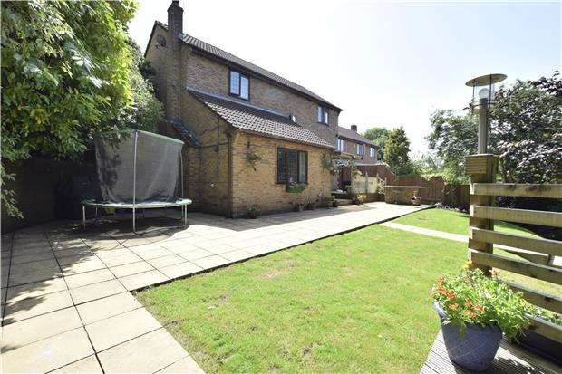 4 Bedrooms Detached House for sale in Church Road, Hanham, Bristol, BS15 3AL