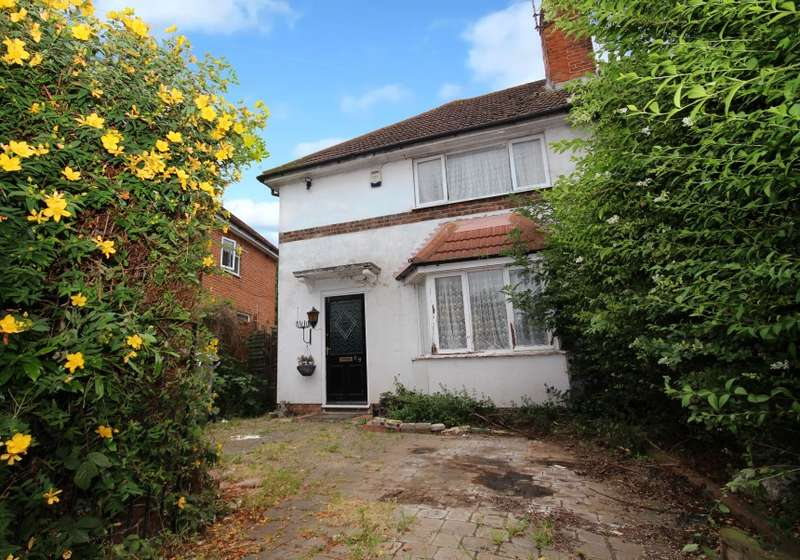 3 Bedrooms Semi Detached House for sale in Dawlish Road, Reading, Berkshire, RG2 7SE