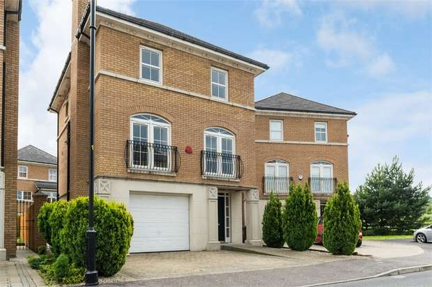 3 Bedrooms Detached House for sale in Berkeley Hall Mews West, Lisburn, County Antrim