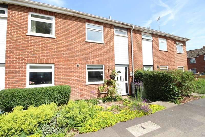 3 Bedrooms Terraced House for sale in Brinds Close, Sonning Common, RG4