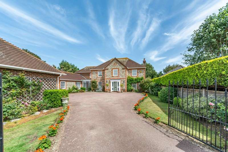 6 Bedrooms Detached House for sale in The Oaks, Rustington