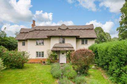 4 Bedrooms Detached House for sale in Village Road, Bromham, Bedford, Bedfordshire