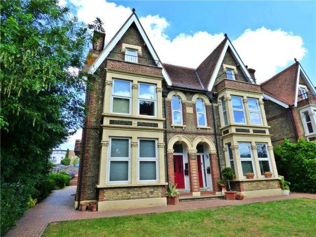 1 Bedroom Apartment Flat for sale in London Road, High Wycombe, Buckinghamshire