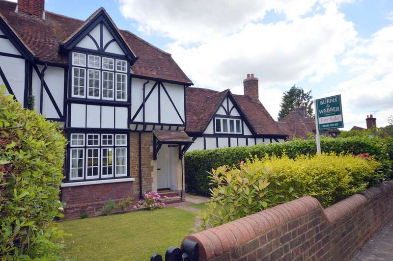 2 Bedrooms Semi Detached House for sale in Linden Cottage, The Street, Compton, Guildford, GU3