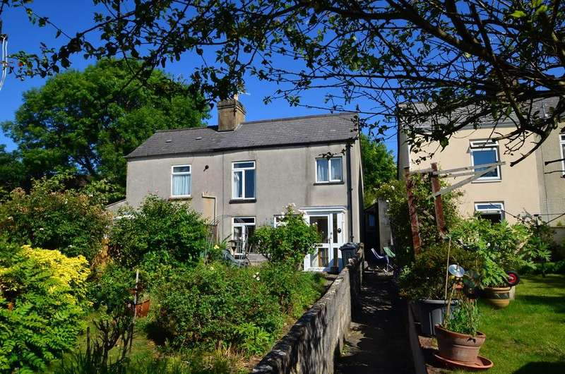 2 Bedrooms Semi Detached House for sale in Cashes Green Road, Stroud, GL5