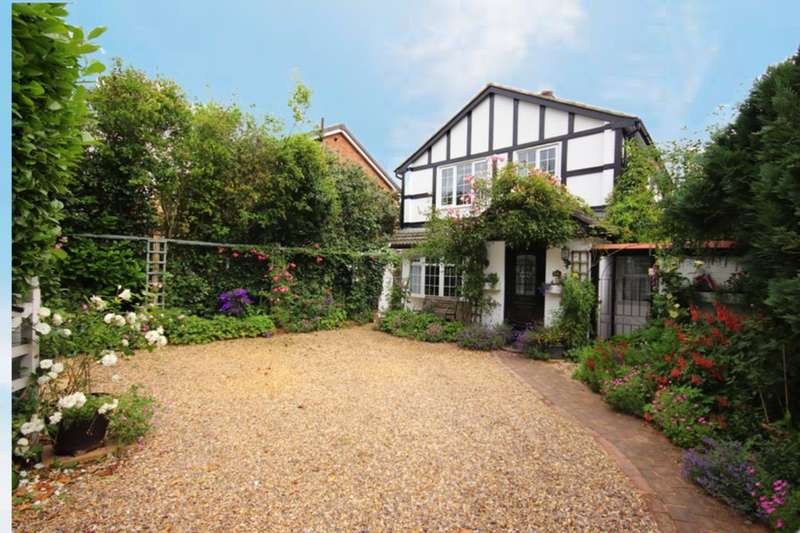 4 Bedrooms Detached House for sale in Wellington Road, Nantwich, CW5