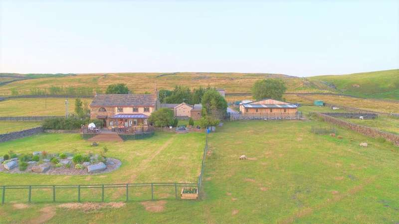 4 Bedrooms Detached House for sale in Calf Lee House & Bungalow, Warland, Todmorden, OL14