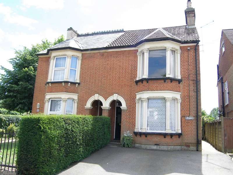 3 Bedrooms Semi Detached House for sale in Bushey Grove Road, Bushey