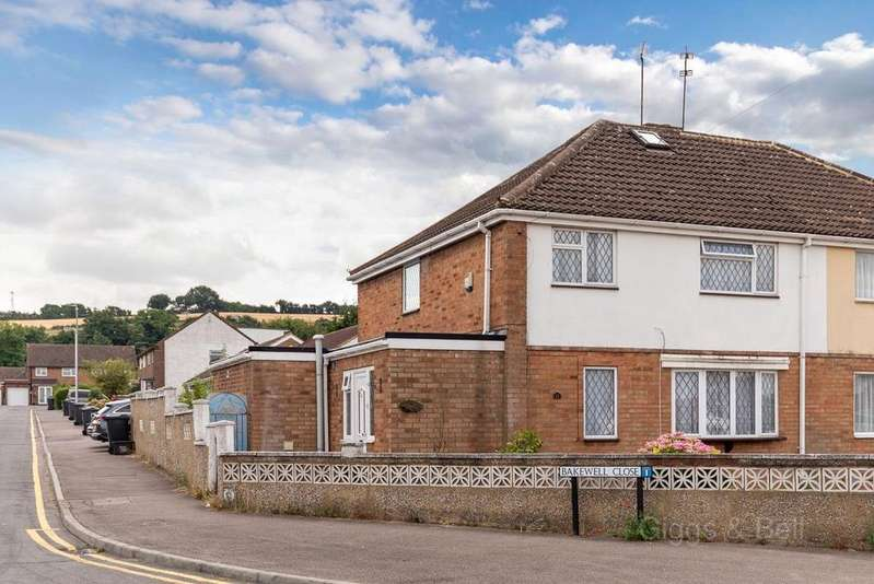 3 Bedrooms Semi Detached House for sale in Staveley Road, Luton Dunstable Borders, Luton, LU4