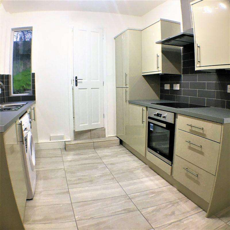 4 Bedrooms Terraced House for sale in Potential HMO on Talbot Road, Luton