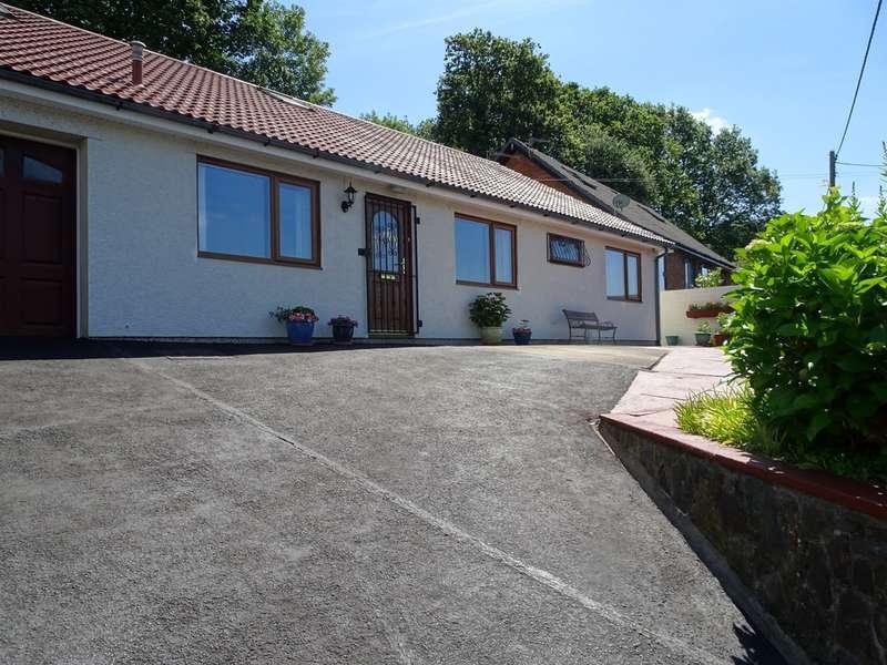4 Bedrooms Detached Bungalow for sale in Swn-Yr-Adar, Woodfieldside, Blackwood