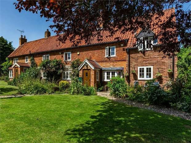 5 Bedrooms Detached House for sale in Post Office Lane, South Scarle, Newark, Nottinghamshire
