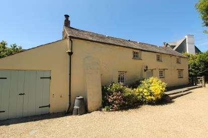 3 Bedrooms Detached House for sale in Wadebridge, Cornwall