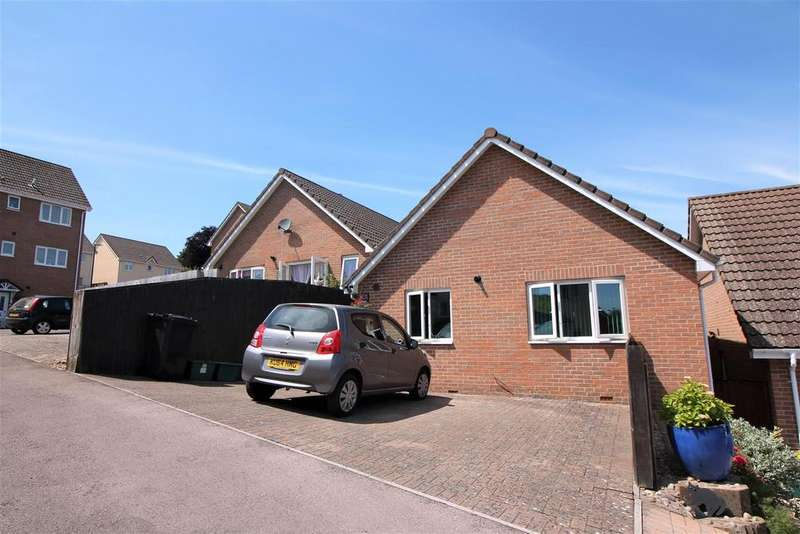 2 Bedrooms Detached Bungalow for sale in Princess Royal Road, Bream, Lydney