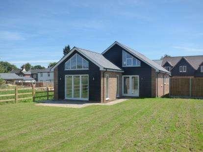 3 Bedrooms Detached House for sale in Tilsworth Road, Stanbridge, Beds, Bedfordsire