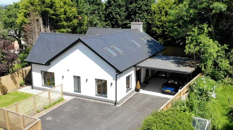 5 Bedrooms Detached House for sale in NEW BUILD ON LONDON ROAD, ADLINGTON