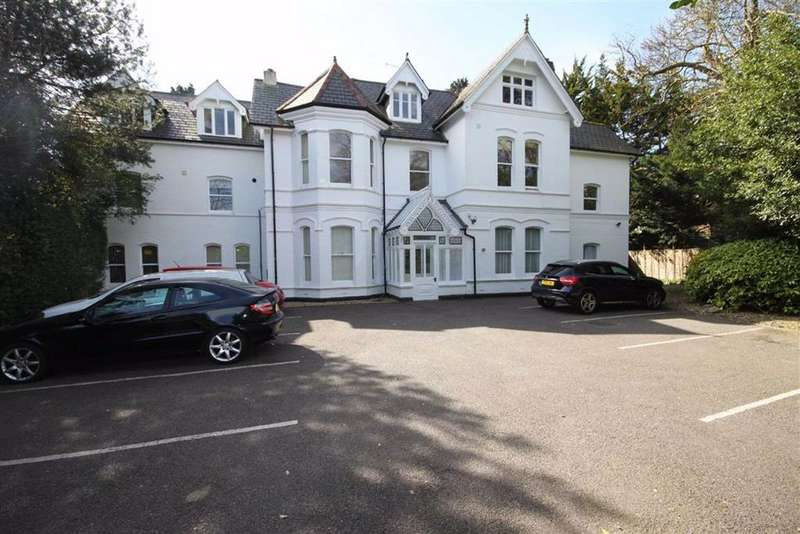 3 Bedrooms Flat for sale in Cavendish Road, Bournemouth