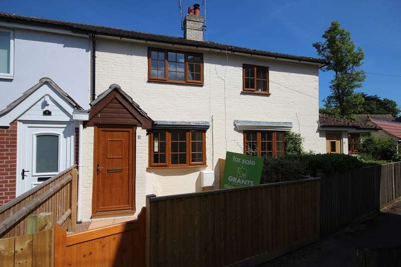 2 Bedrooms Terraced House for sale in Strides Lane, Ringwood, Hampshire, BH24
