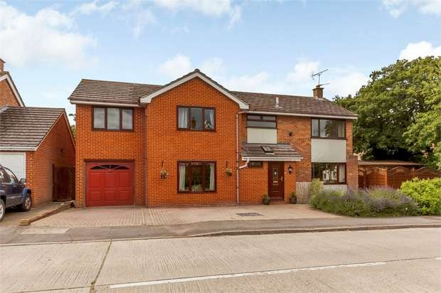 5 Bedrooms Detached House for sale in Medley Road, Rayne, Braintree, Essex