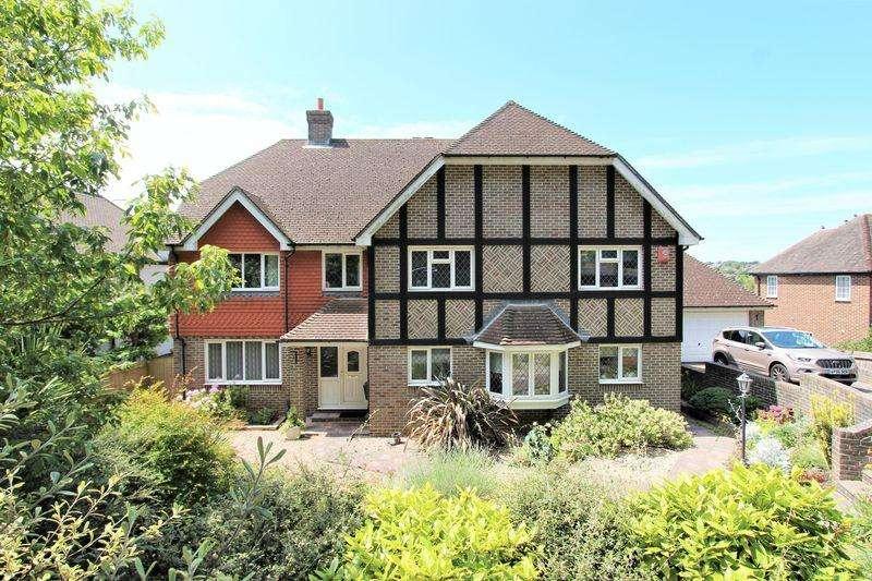5 Bedrooms Detached House for sale in Surrenden Crescent, Brighton