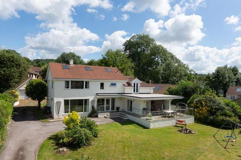 4 Bedrooms Detached House for sale in Secluded yet central Wrington village