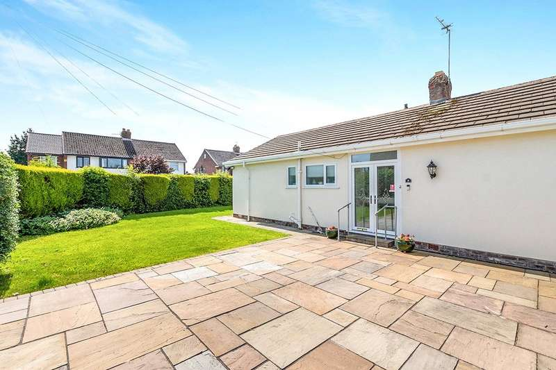 2 Bedrooms Detached Bungalow for sale in Tynwald Crescent, Widnes, Cheshire, WA8