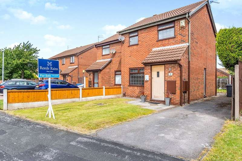 3 Bedrooms Semi Detached House for sale in Blair Drive, Widnes, Cheshire, WA8