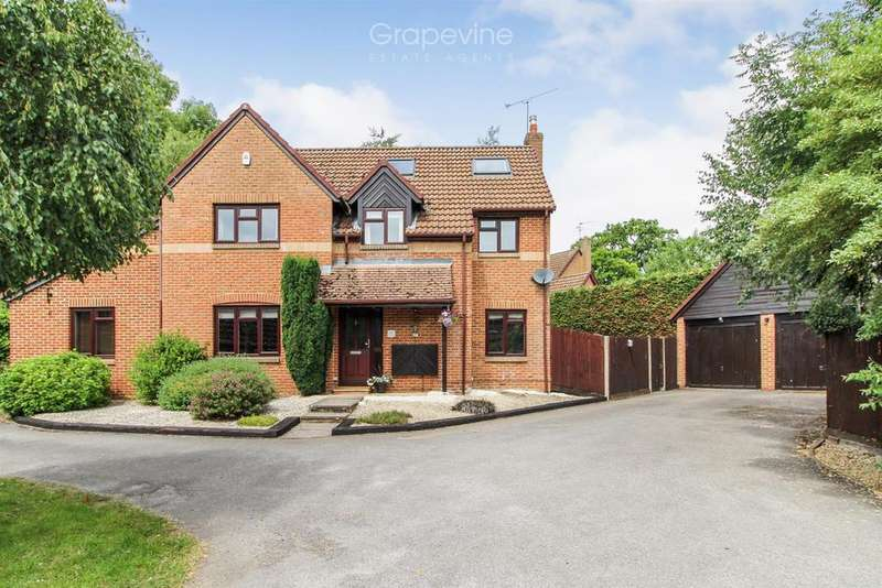 5 Bedrooms Detached House for sale in Broad Hinton, Twyford, Reading